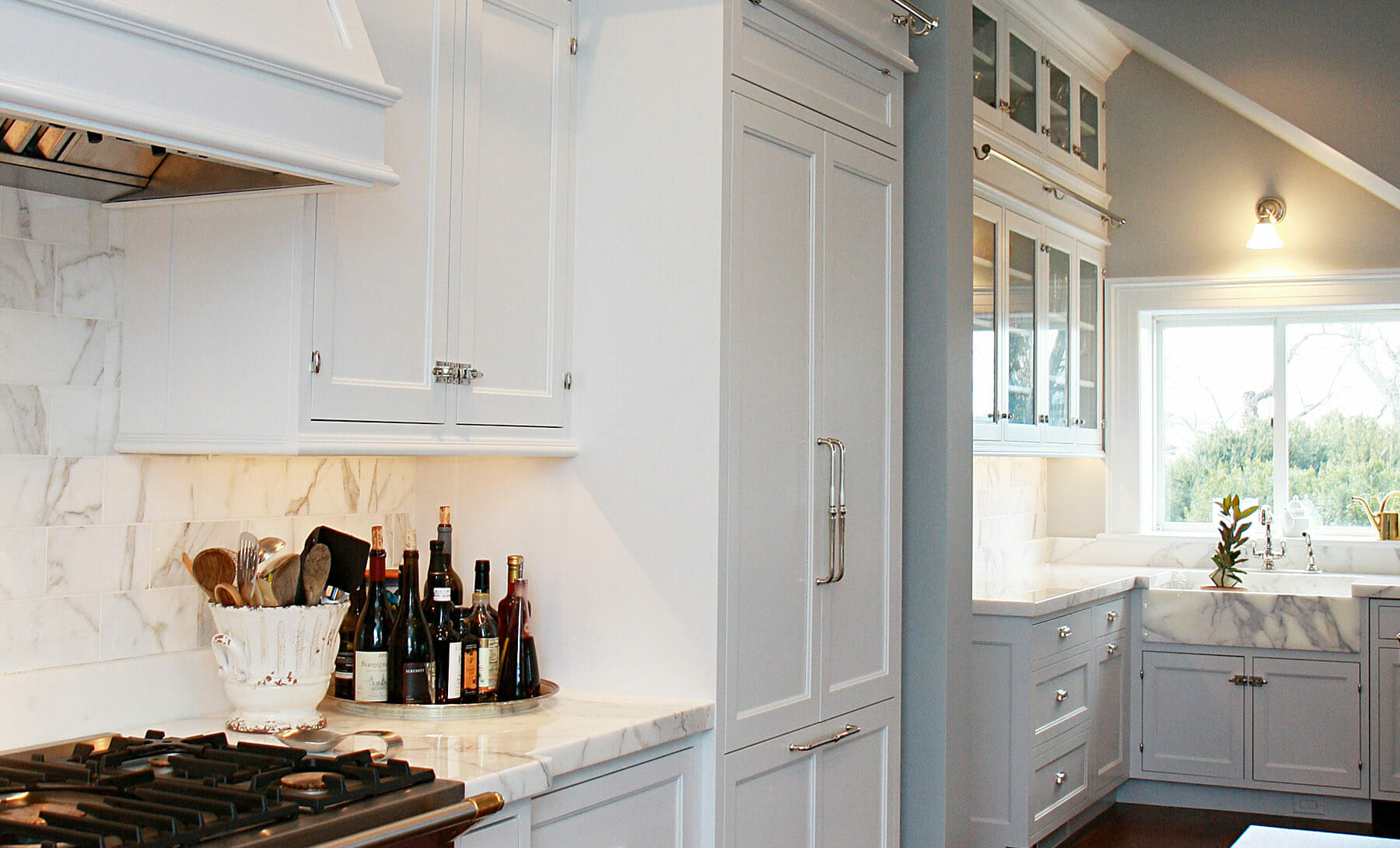 GME Builders designs and constructs open layout kitchens with lots of natural sunlight in Keswick, Crozet, Ivy and Charlottesville.